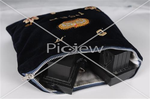 tefillin in velvet bag